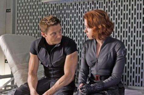 Black-Widow-Hawkeye-Avengers-570x379