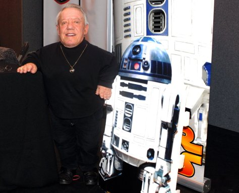 Kenny Baker with R2